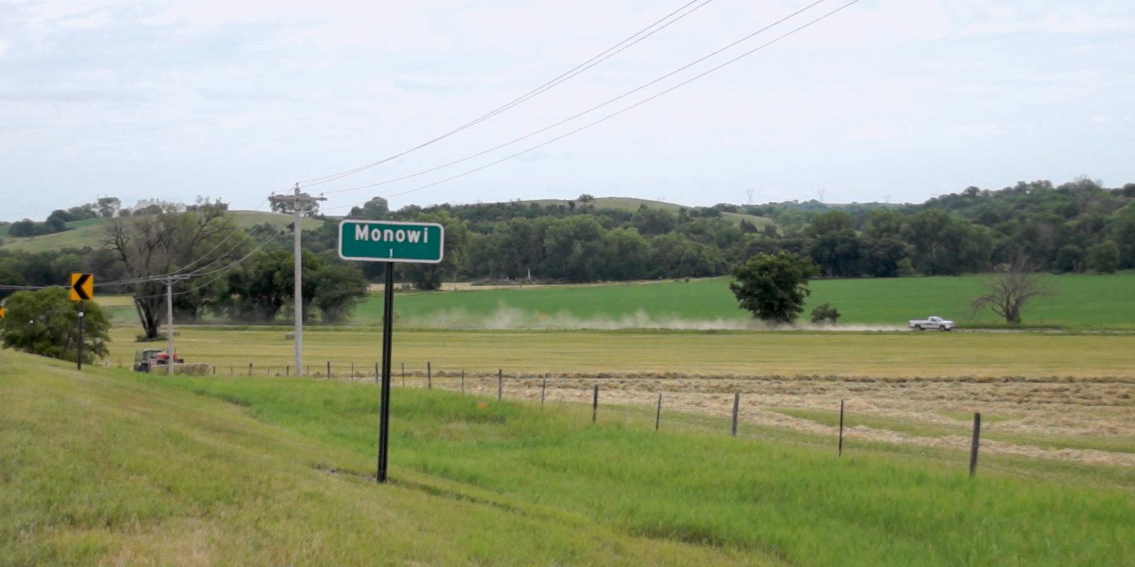 01-Monowi-Nebraska-Ortsschild