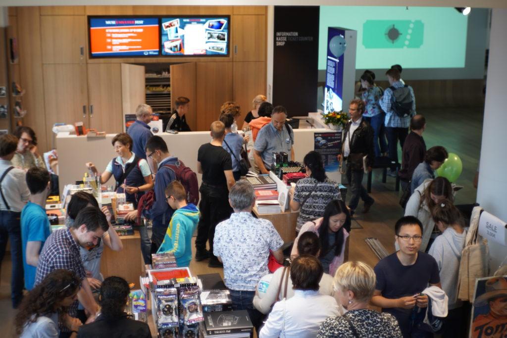 Flohmarkt im Foyer
