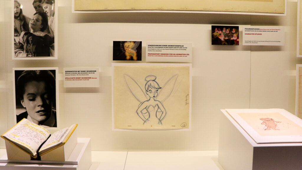 Foto Dauerausstellung Tinkerbell-Zeichnung