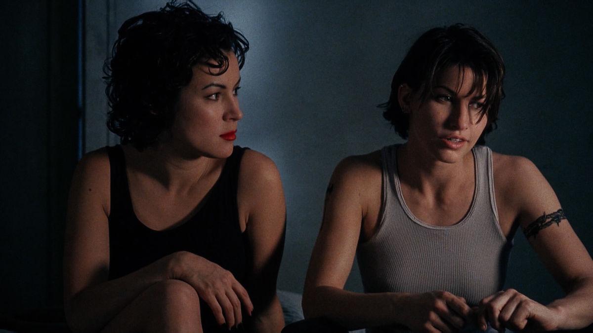 Gina Gershon und Jennifer Tilly in Bound